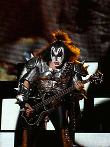 220px-Gene_Simmons_-_Azkena_Rock_Festival_2010_6