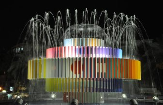 Fountain-by-Yaacov-Agam-by-night